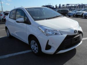 3rd Generation facelifted toyota vitz hatchback front close view view
