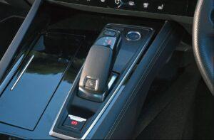 2nd generation peugeot 508 sedan transmission view