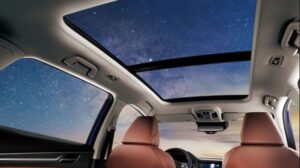 1st generation haval f7 suv panoramic moon roof view