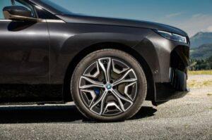 BMW IX Mid Size SUV 1st Generation wheel view