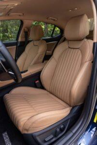 Genesis G70 Sedan 1st Generation facelift front seats view