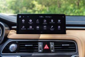 Genesis G70 Sedan 1st Generation facelift infotainment screen view