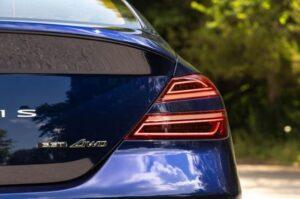 Genesis G70 Sedan 1st Generation facelift tail lamp view